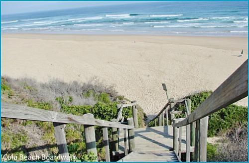 Boardwalk down to Cola beach