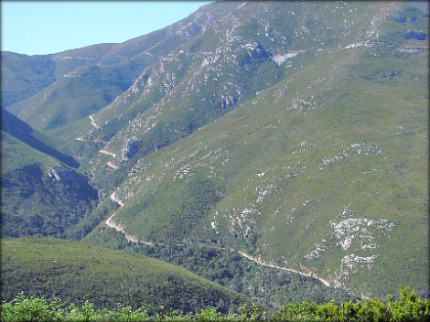 Montagu Pass through the valley