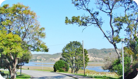 Circular Walk from Kingfisher Drive around the Island ans back