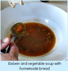 Eisbein sand vegetable soup